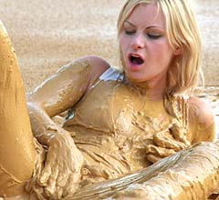 mp0005_mud_makes_her_a_dirty_girl_gallery_new