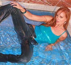 wp0004_wet_jeans_are_the_sexiest_gallery1